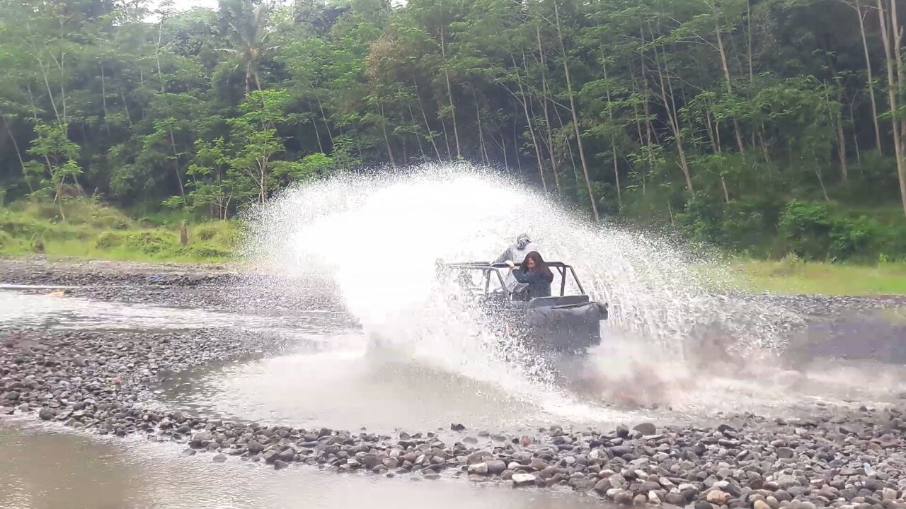 Jeep-Merapi-Jogja-Alaska-7
